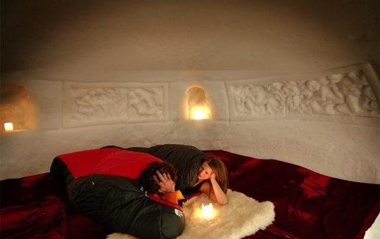 Dormire in un igloo in Svizzera