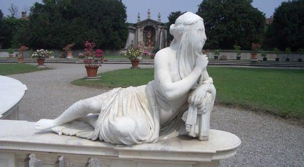 Villa_Litta_Lainate_Allegoria_Silenzio