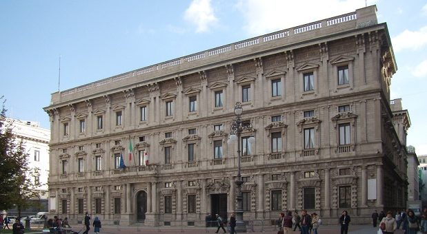 Palazzo-Giureconsulti-milano