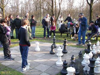 scacchi giganti milano