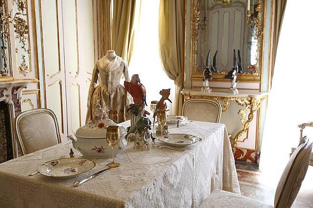 L 39 eleganza a tavola in mostra a palazzo morando for Palazzo morando