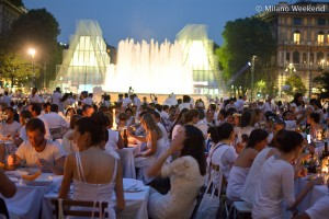 Cena in bianco Piazza Castello Milano 2015
