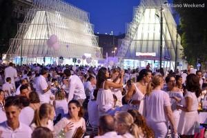 Cena in bianco Piazza Castello Milano 2015-6