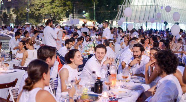 Cena in bianco Piazza Castello Milano 2015-7