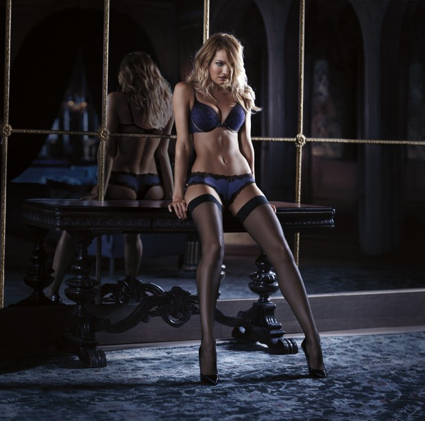 scandalous-2014-candice-very-sexy-limited-edition-push-up-bra-victorias-secret-hi-res