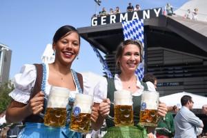 Expo 2015 festa birra cameriere