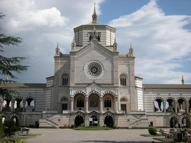 piazza-cimitero-monumentale