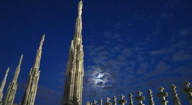 Duomo-Milano-guglie