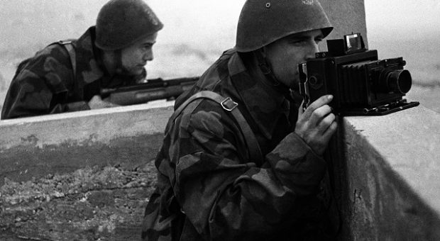 10. Fotografo Luce, 1944 © Istituto Luce - Cinecittà
