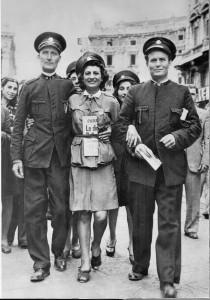 15. La tranviera (26 luglio 1943) © Istituto Luce