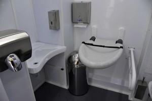 toilet-bus-2