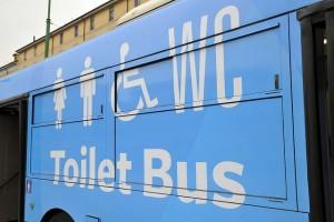 toilet-bus-5