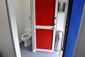 toilet-bus-6
