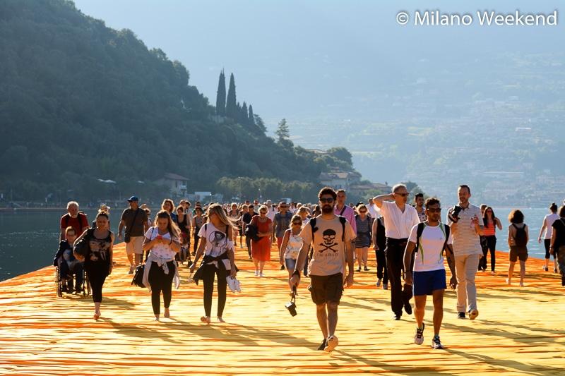 Floating Piers alba Milano Weekend-11