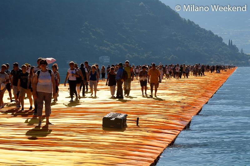 Floating Piers alba Milano Weekend-20