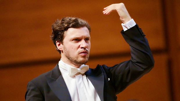 stanislav-kochanovsky-dirige-laverdi-con-solenne-paidassi-solista-al-violino-