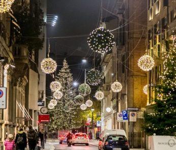 via Montenapoleone Milano Natale