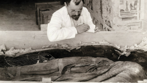 Victor Loret - Mummia