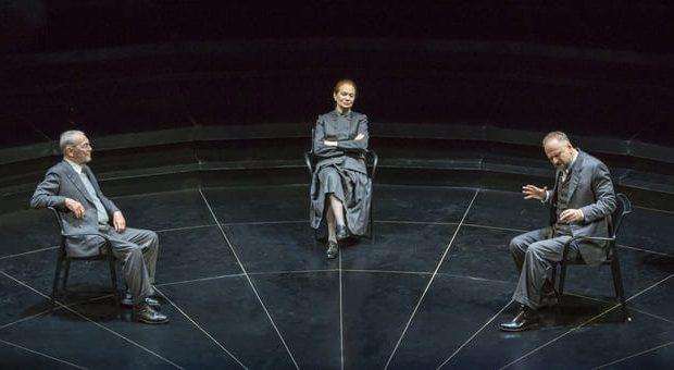 Spettacoli teatrali a Milano: Cosa avvenne davvero a Copenaghen