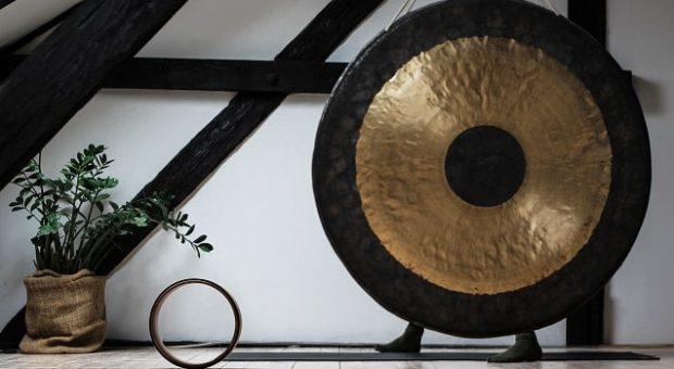 gong-relax-unsplash-min