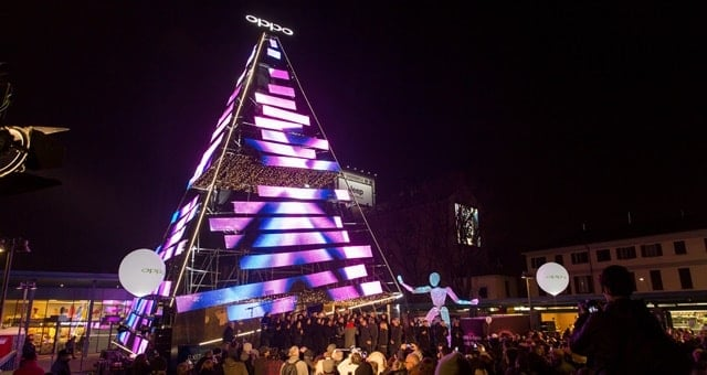 Oppo Xmas Tree Milano
