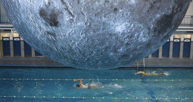 piscina cozzi museum of the moon