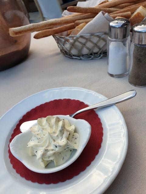 auberge-maison-ristorante-burro-grissini-min