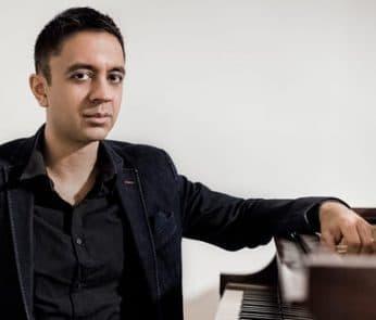 Pianisti di altri mondi al Parenti