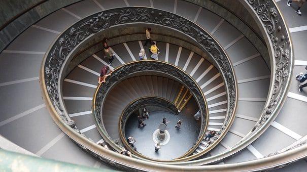Scalone-musei-vaticani