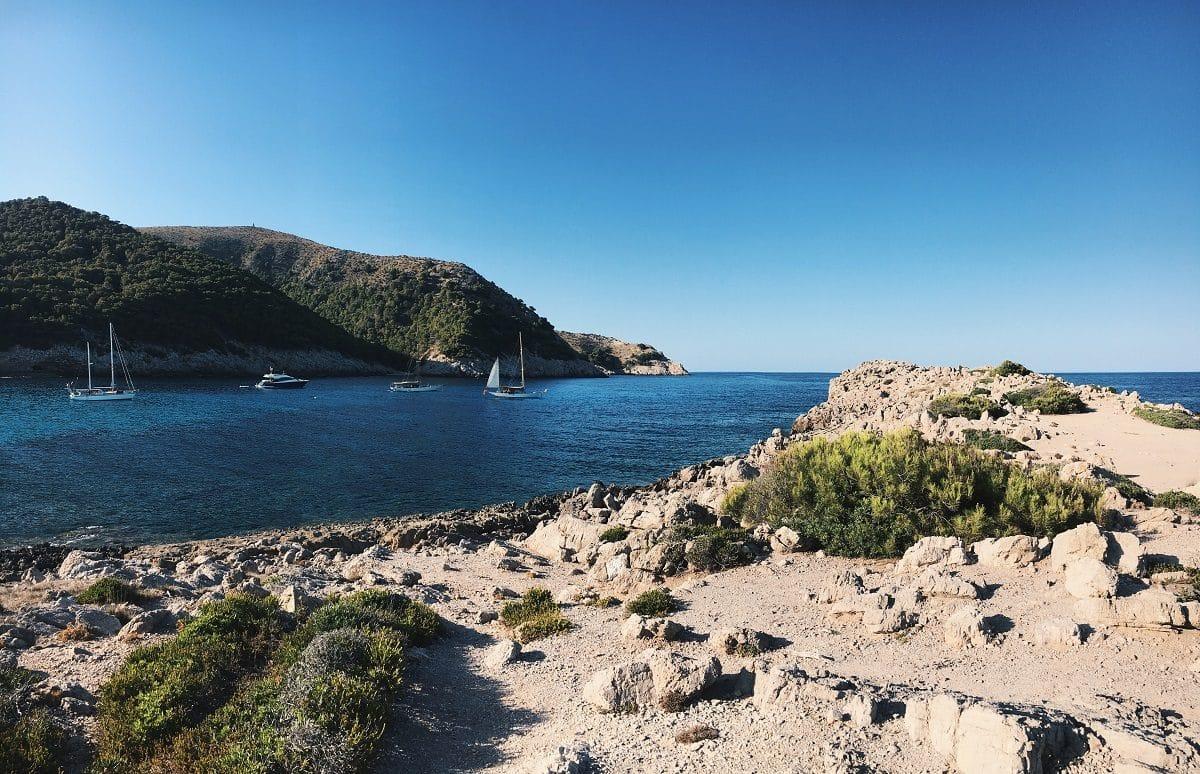 maiorca-spiaggia-barche