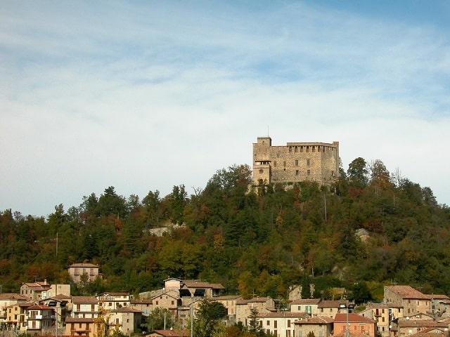 castello-zavattarello-min
