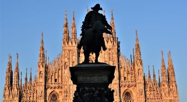 milano-duomo-statua