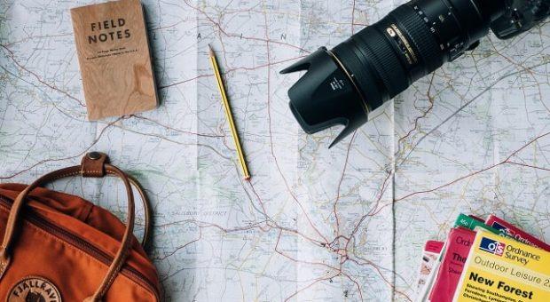 viaggio-vacanza-documenti-min
