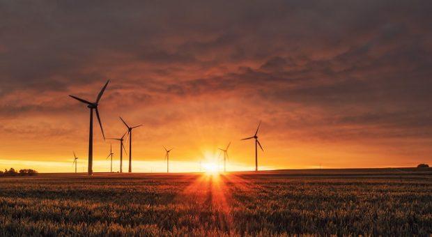 tramonto-eolico-energia